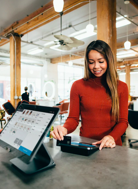 woman paying for order